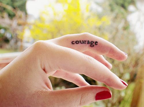 finger tattoo