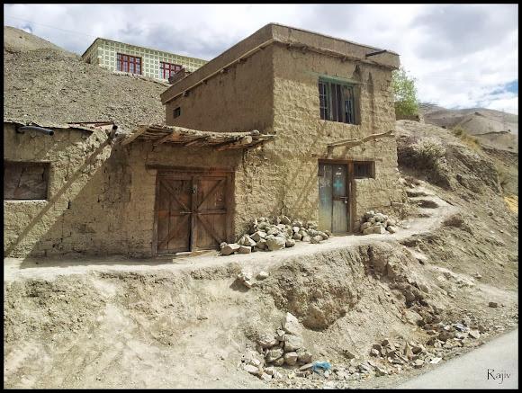 abandoned ladakhi house