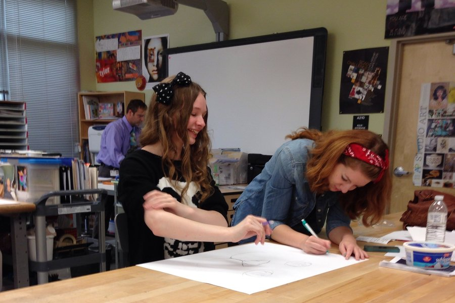 Photo of the Day 8/28/14: AP Studio Art draws collaboratively