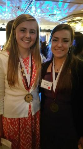Safsten and Moxley receive Carson Scholar honor