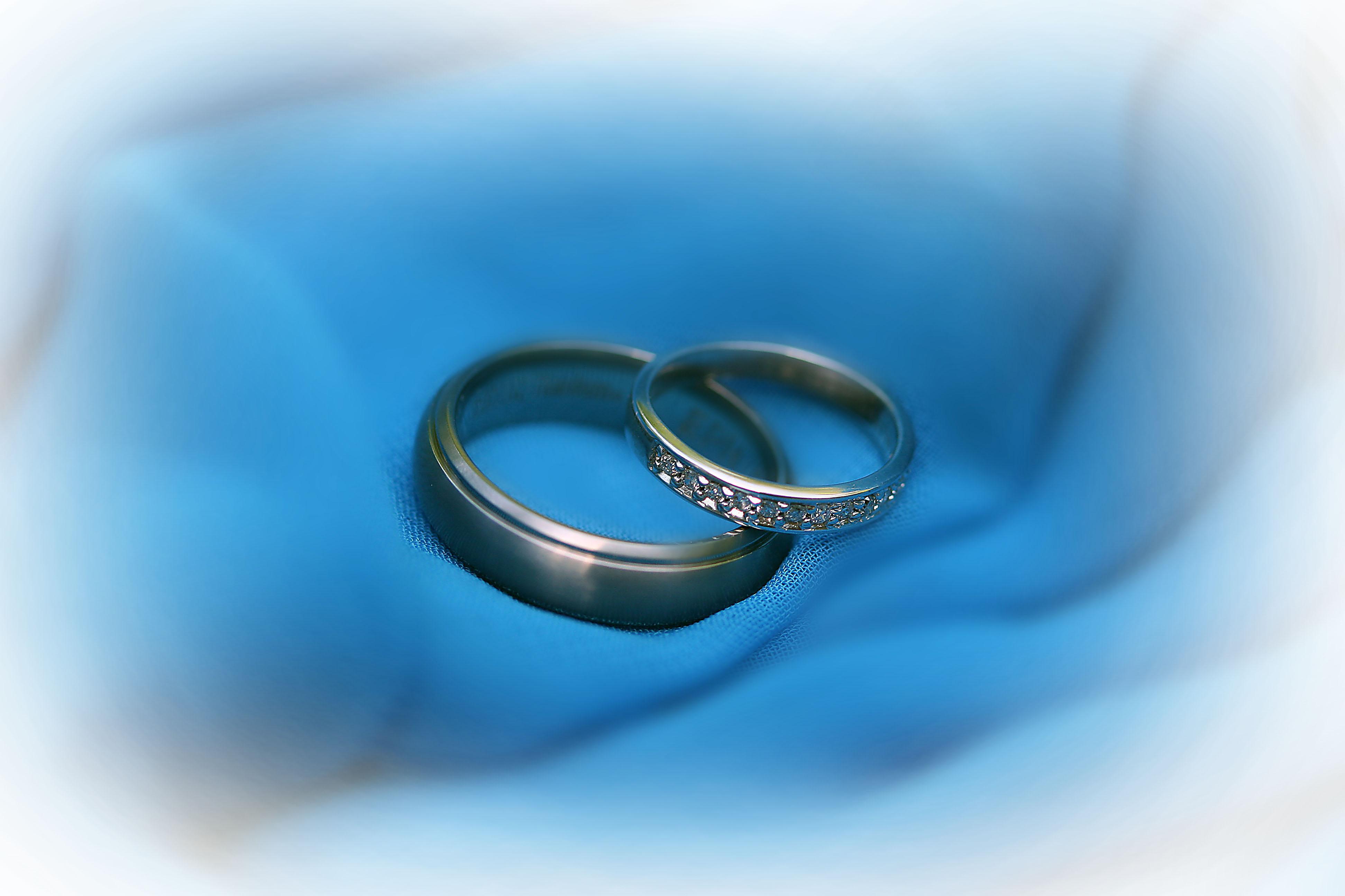 wedding rings blue wedding rings Wedding Rings and Flowers