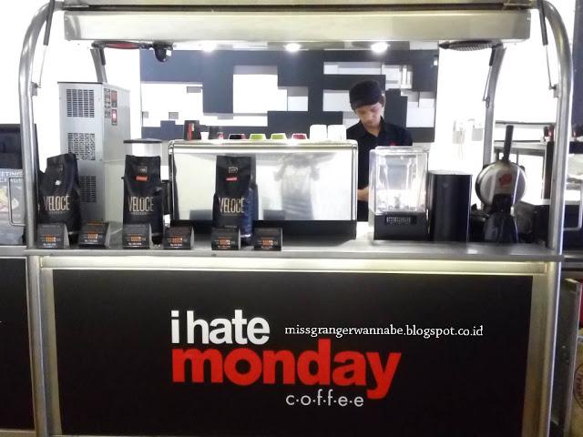 i-hate-monday-coffe-moi-interior-3