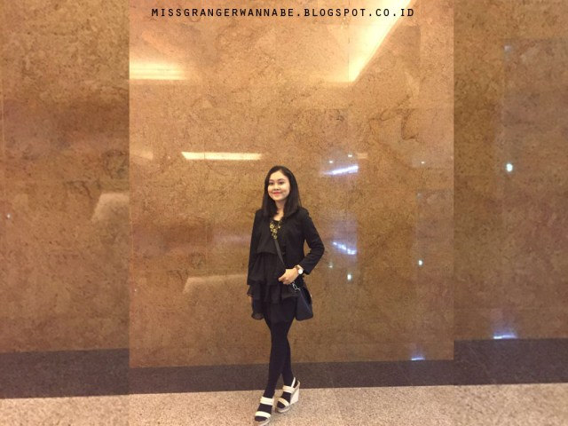 lia-little-black-dress-2