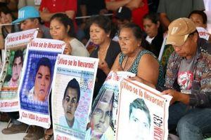 Padres Ayotzinapa