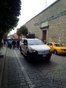 Marchan maestros contra visita de Osorio Chong