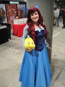 Comikaze_Expo_2011_-_Ariel_and_Flounder_from_the_Little_Mermaid_(6324629917)