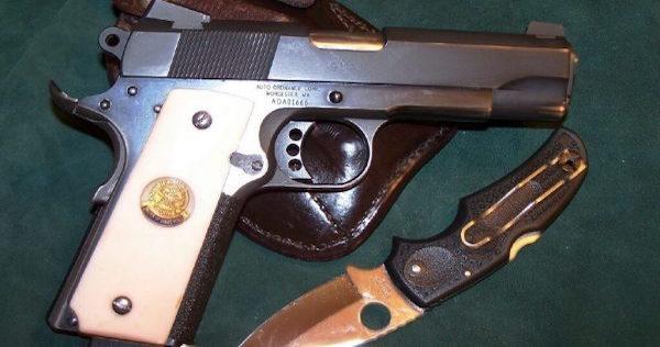 guns-knives-e1474317480346
