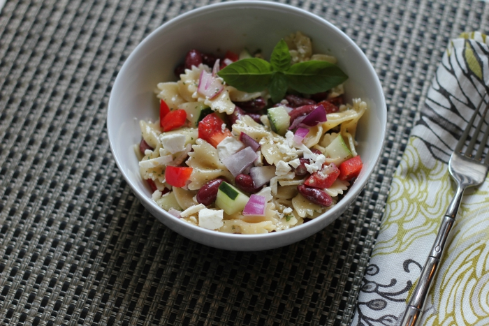 greek pasta salad with vinaigerette