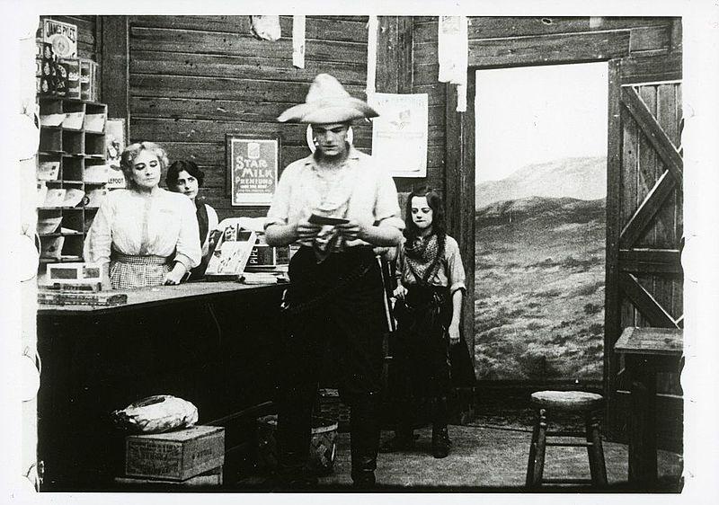Still_from_Alice_Guy-Blaché_-_film_Two_little_strangers_-_1912_-_Solax_-_EYE_FOT414158
