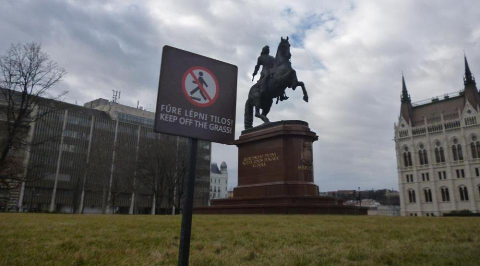 Még II. Rákóczi Ferenc lova is felágaskodott izgalmában...