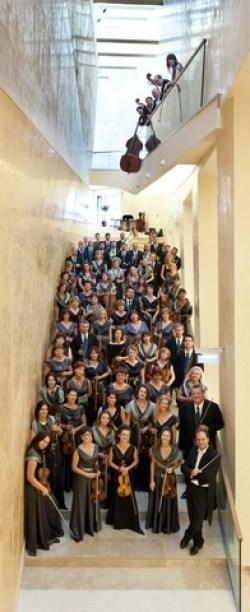 A zenekar a Kodály Központ spanyol lépcsőjén (Forrás: PFZ)