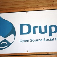 How does Drupal rate as a Web 2.0 blog software tool?