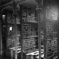 Early photo of the famed Cincinnati Public Library shows an information world before computers