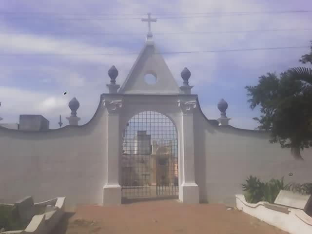Entrada al cementerio de Soledad (Colombia)