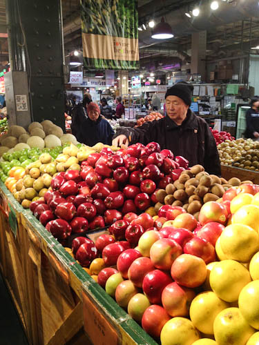 Apples at Reading Terminal Market