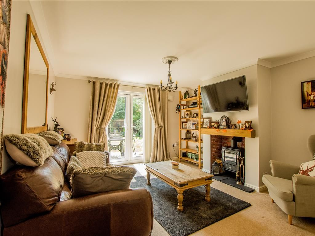 3 Bed Link Detached House For Sale In Fred Tuddenham Drive Cawston Norwich Nr10 Zoopla