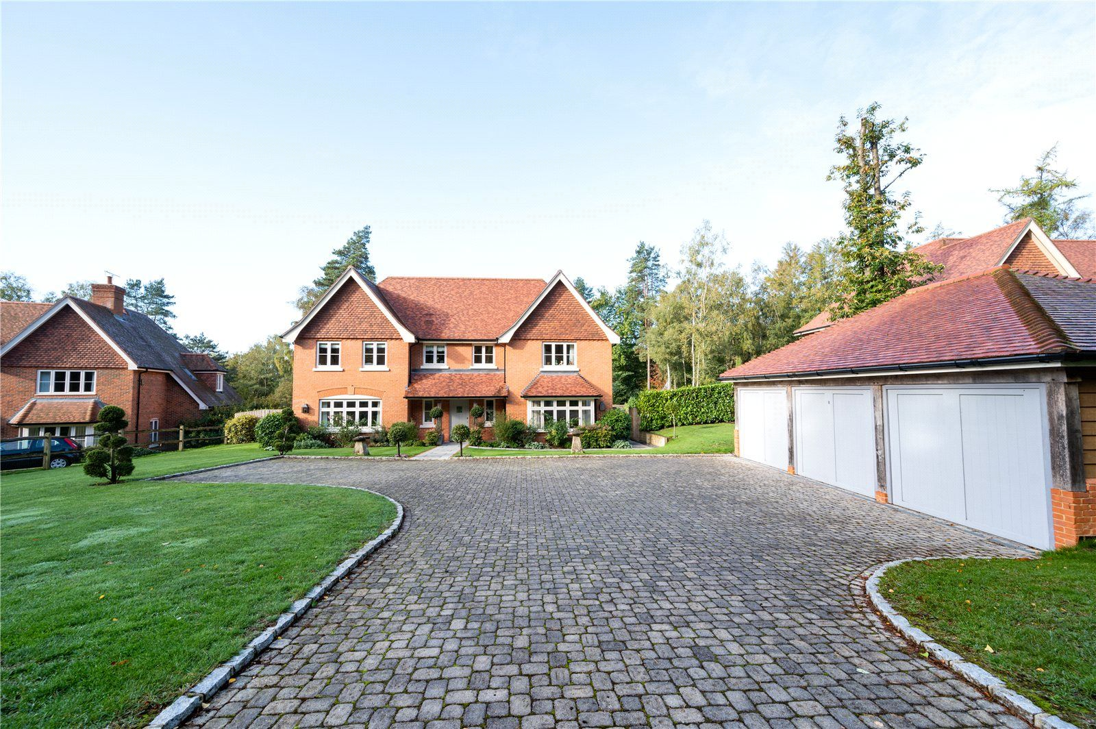 5 Bed Detached House For Sale In Pine Walk Midhurst West Sussex Gu29 Zoopla