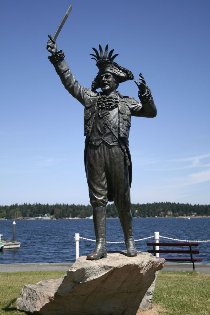 statue_of_frank_ney_in_nanaimo