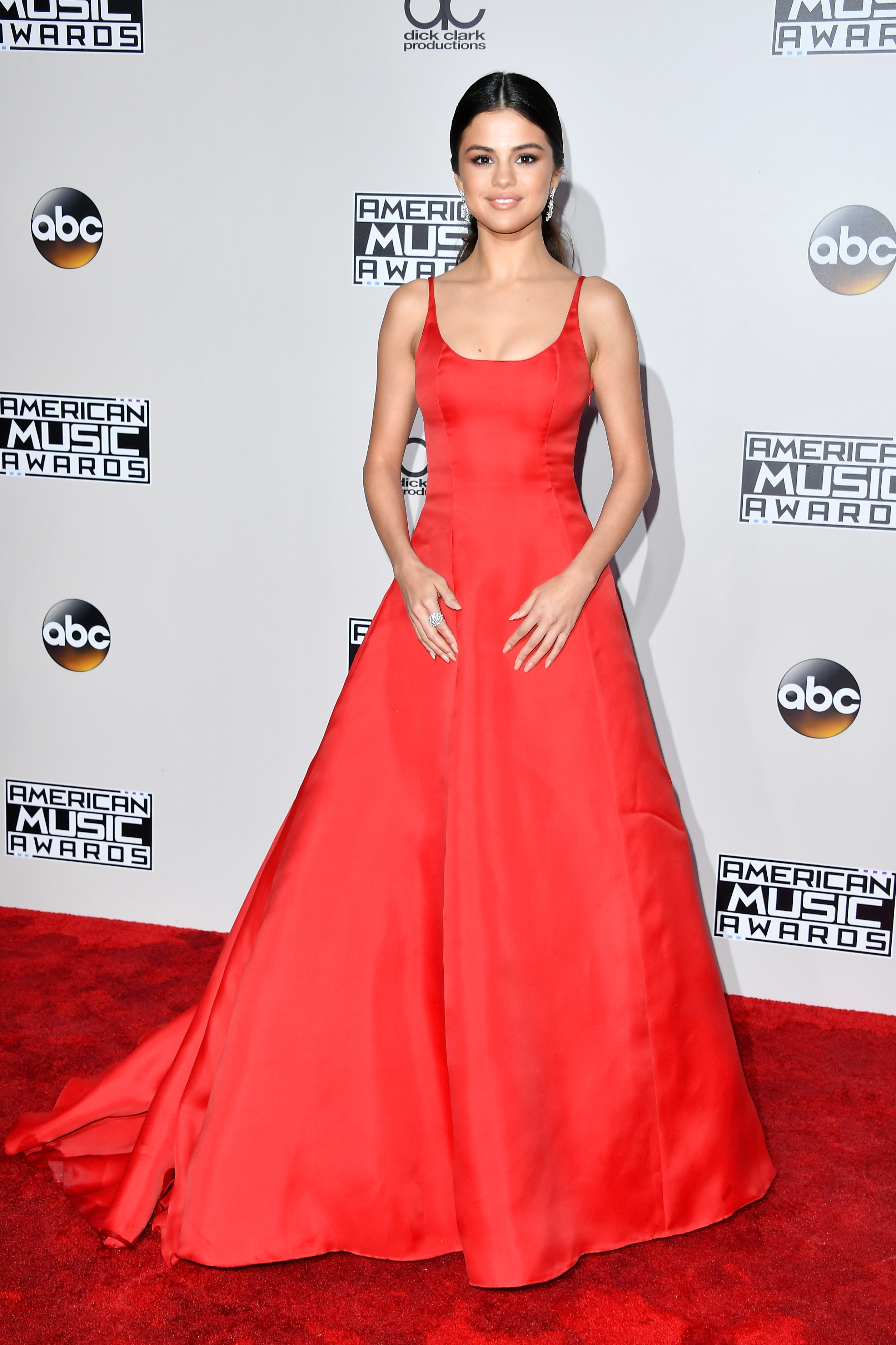 Tappeto Rosso Grande 2016 Amas Red Carpet See What Celebrities Are Wearing