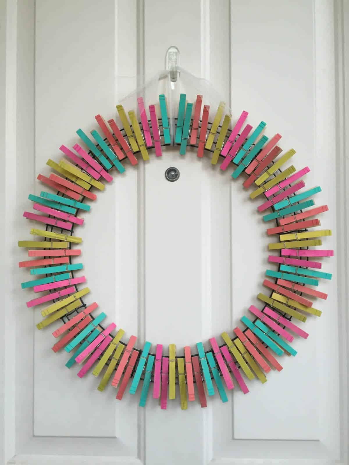 Diy Clothes For Summer Diy Summer Clothespin Wreath