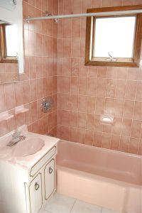 Happy New Year and the Pink (Tile) Bathroom is Back ...