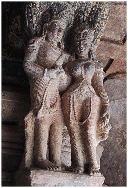 Badami-Cave3-PillarImages