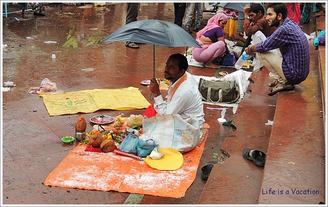 Omkareshwar-Priest