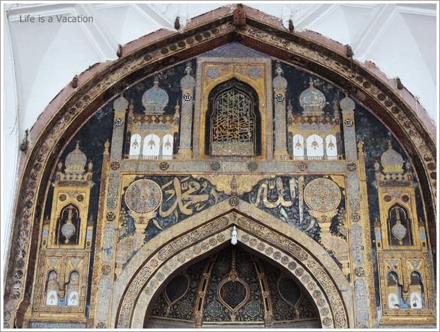 Bijapur-JamaMasjid-Mehraab2