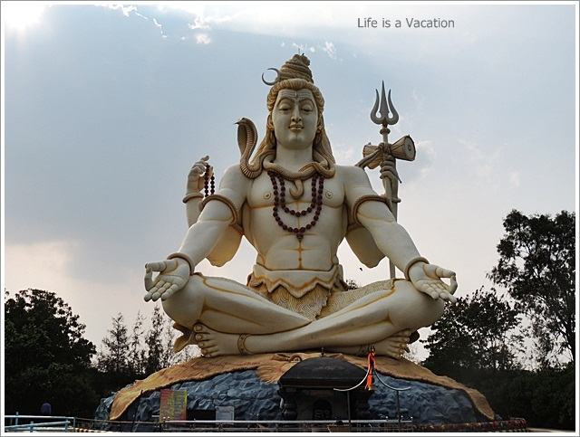 Bijapur Sightseeing One Day-Shivgiri-ShivaStatue