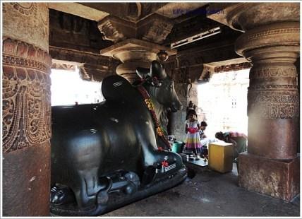 Pattadakal-Virupaksha-Nandi