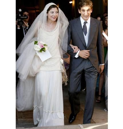 simple-elegant-wedding-dresses-2 - Lifelong Wedding Ceremonies
