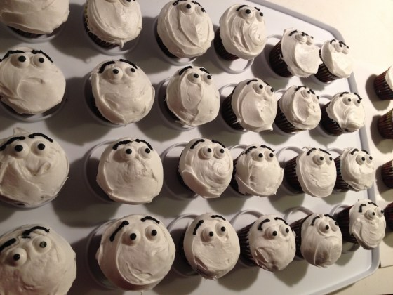 Olaf Cupcake Tutorial - here's lookin at you!
