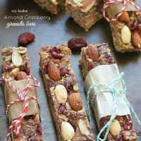 {Healthy} {No-Bake} Almond and Cranberry Granola Bars
