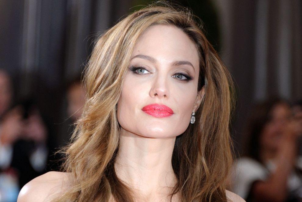 Fall Walk Wallpaper Angelina Jolie Height Weight Age Affairs Husband Bio