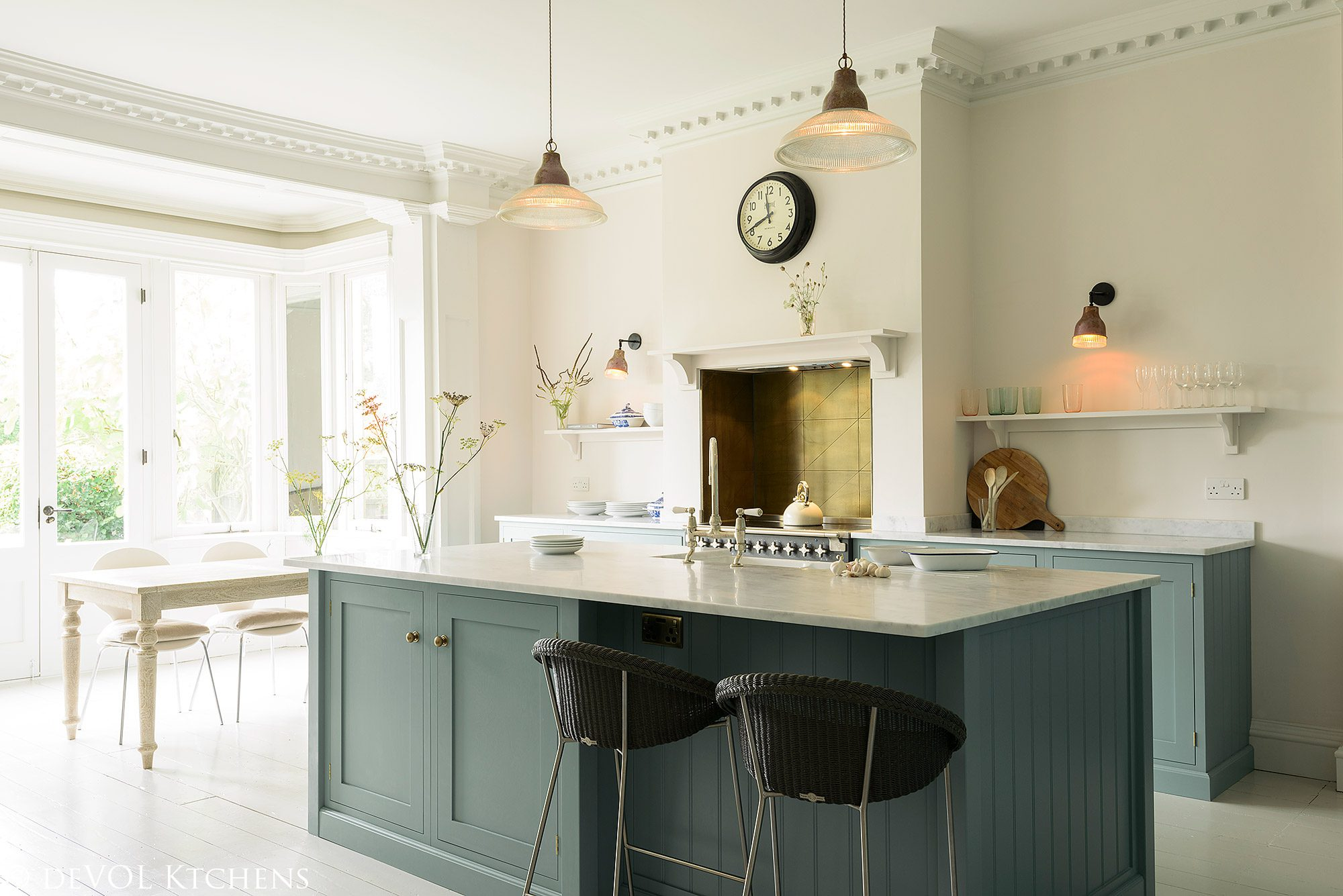 Kitchen Cupboard Painters Leicestershire An Exquisite English Shaker Kitchen In Hertfordshire Life Out Of