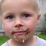チョコレートの食べ過ぎが原因の6つの体へのデメリット