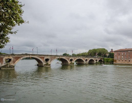 Визитная карточка Тулузы - мост через Гарон