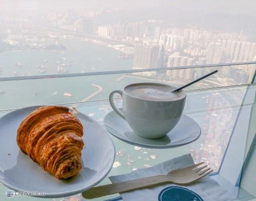 Становится традицией пить кофе на небоскребах ))