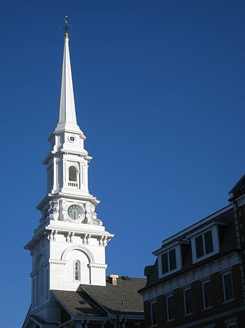 English: North Church steeple in Portsmouth, N...