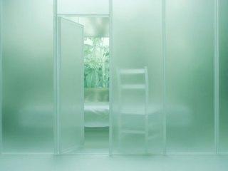Mayumi Terada: white chair 150701p, 2015, pigment inkjet print, 40.6 x 58.4 cm