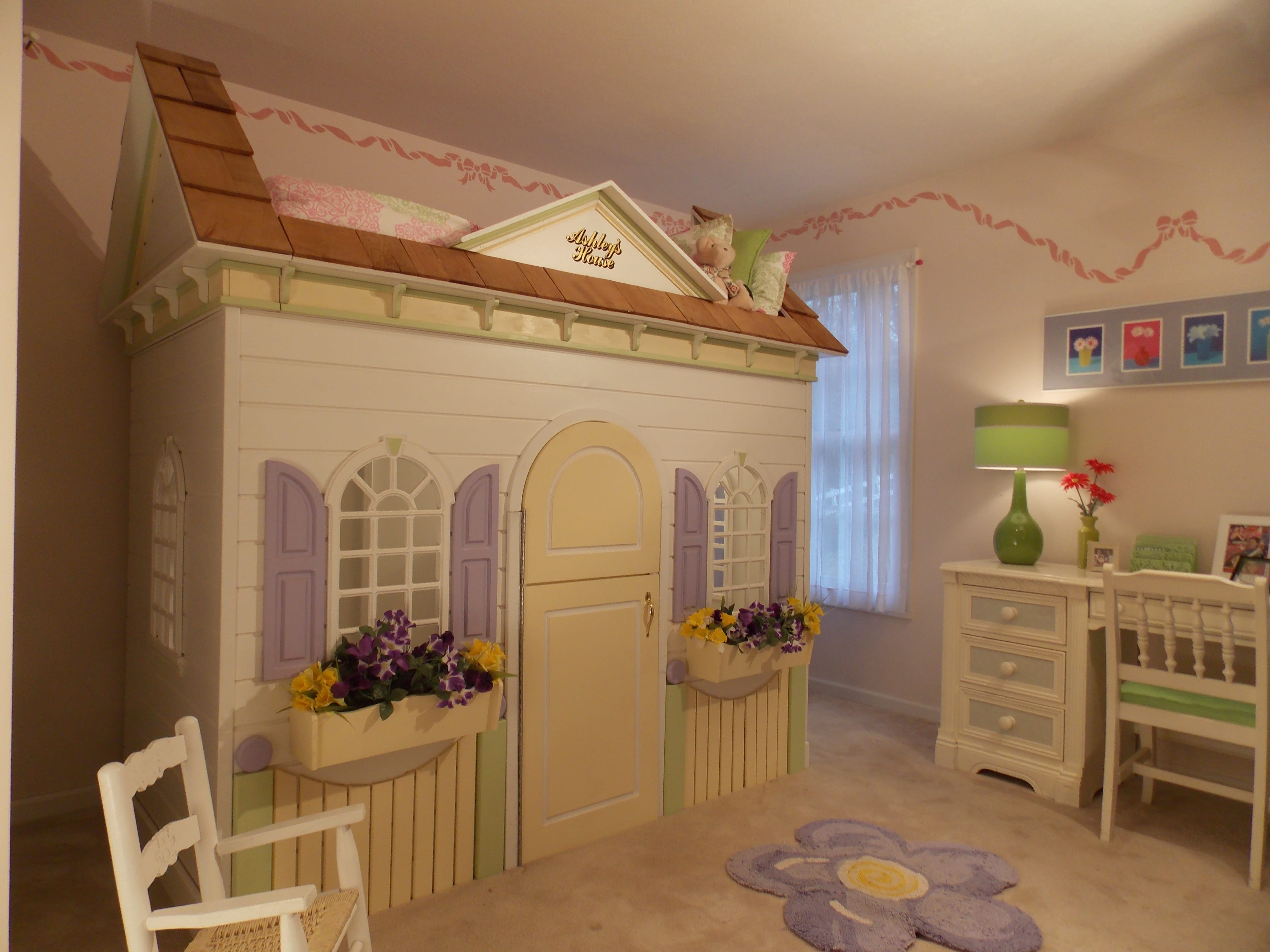 Daffodil Dreambed Lilliput Play Homes