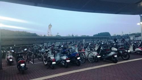 リリーのライダーズカフェ 万博祈念公園 駐輪場