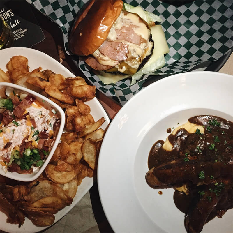 Recap + Giveaway: Hudsons Canada's Pub's New Menu + Enter to a Win a $50 Gift Card!