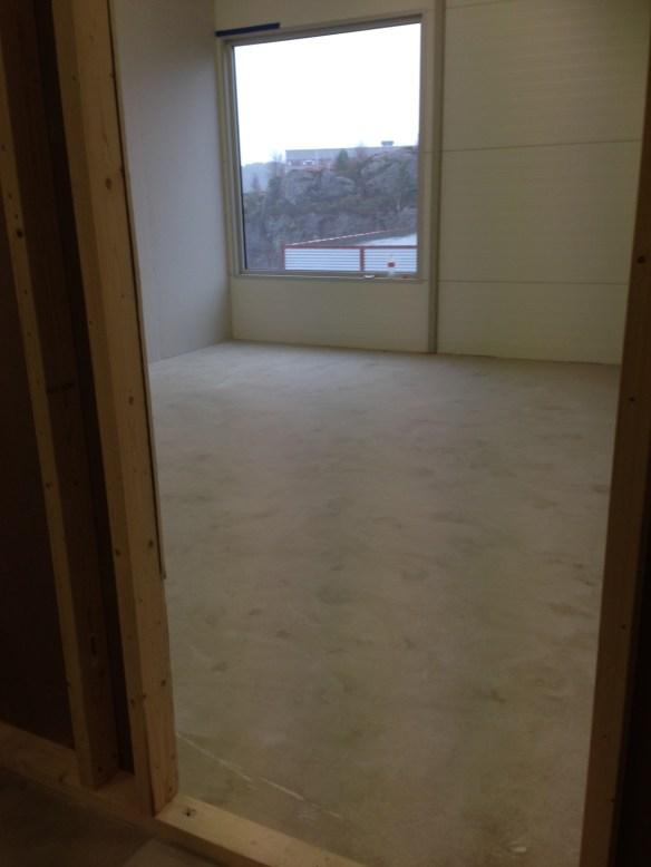 kontoret før gulv og vegger