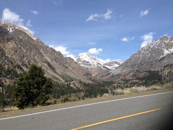 Opp mot Yosemite Nasjonalpark