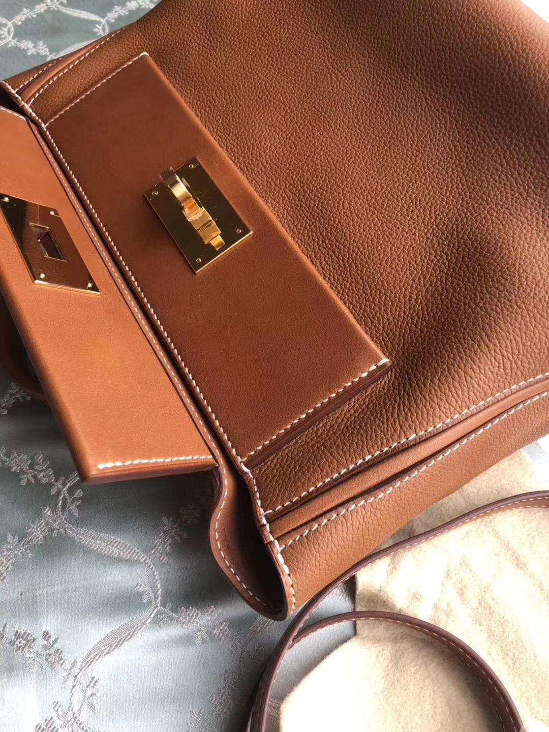 24*24 Hermes Kelly 24 24 Ck37金棕色taurillon Maurice皮拼色 Ck37金棕色