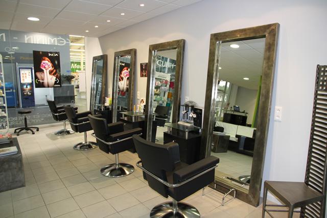 Salon De Coiffure Moderne Homme