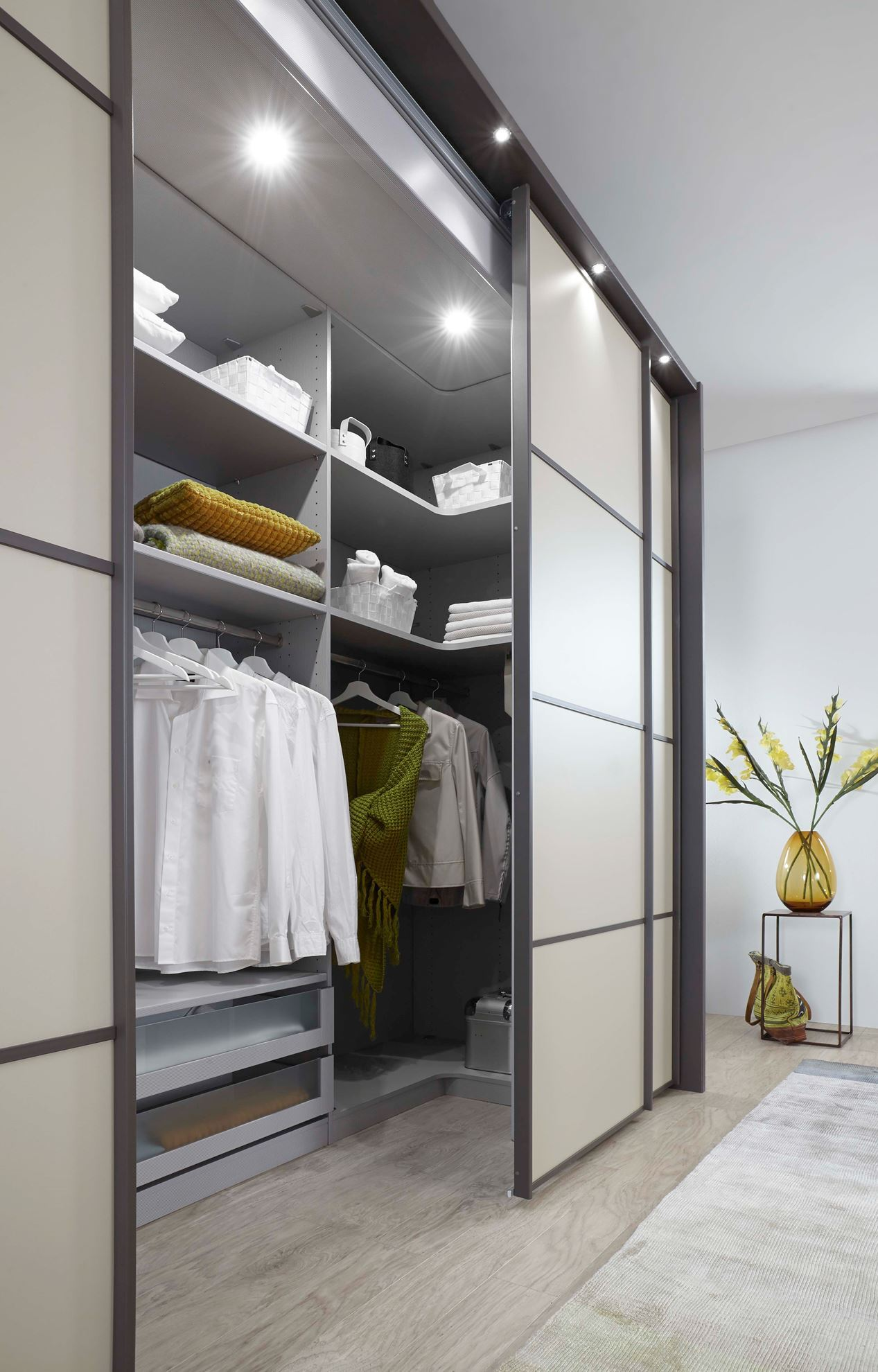 Chambre à Coucher Wiemann Wiemann Multiplus 330cm Walk In Wardrobe Linea Design