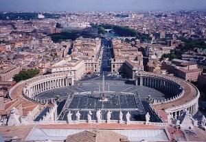 まだ20世紀のヴァチカン。もうサン・ピエトロ大聖堂に登る根性がないので、この光景の写真はこれが最新。