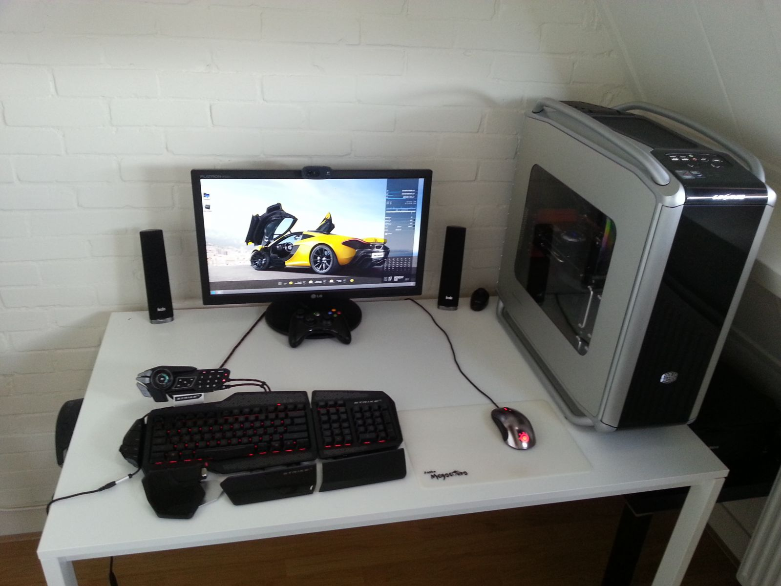 Bad Setup The Gaming Setup Pic2 Rigs Linus Tech Tips